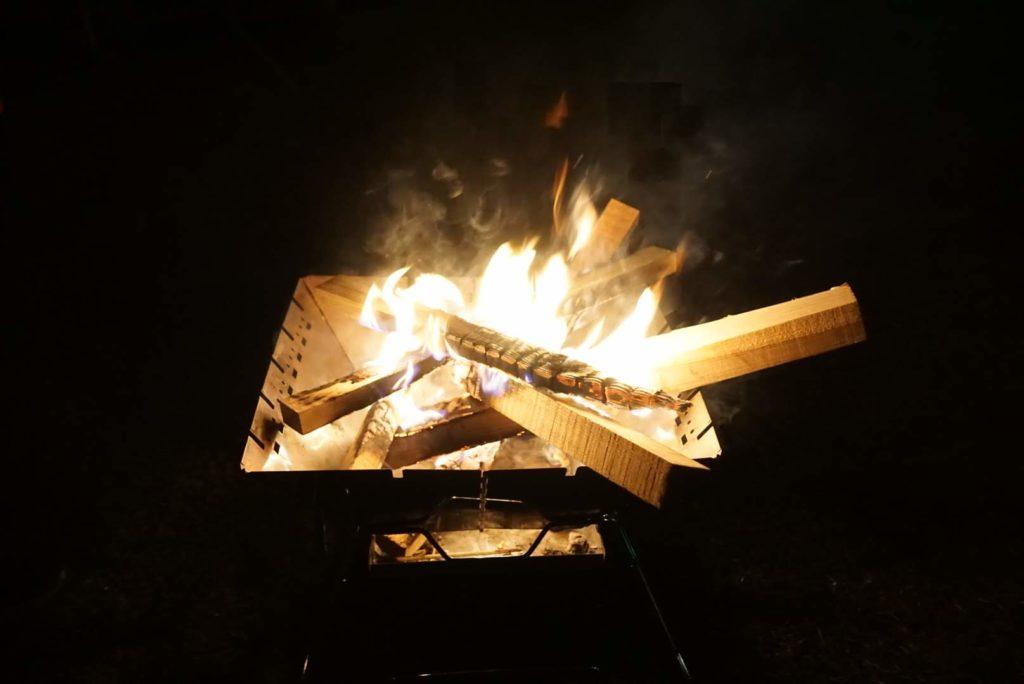 写真:焚火