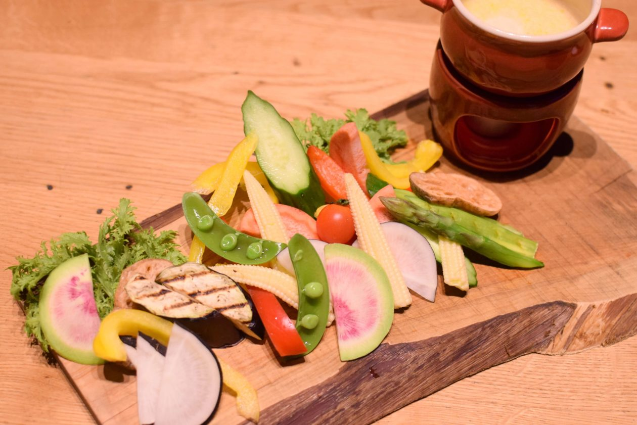 バーニャカウダ野菜とソース全体