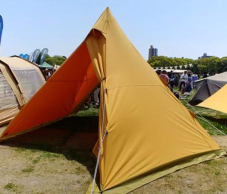 写真:テンマクのワンポールテント