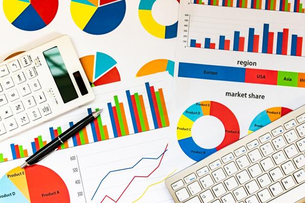 写真:グラフや数値データ